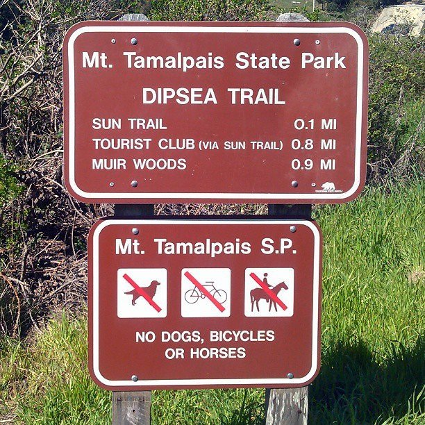 Dipsea Trail sign at Panoramic Hwy and Bay View Dr